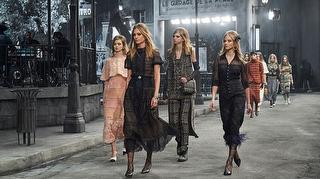 Chanel Métiers d'Art Defilesinden Görüntüler