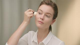 Chanel'den Kış İçin Doğal Makyaj Videosu