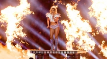 Lady Gaga'nın Super Bowl 2017 Performansı